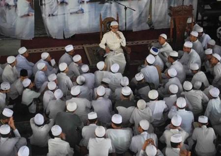 Aktifitas Belajar Mengajar Para Santri di Daarul Qur An Cikarang
